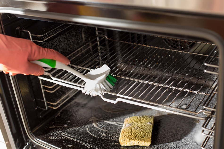 Tips and Tricks for Cleaning an Oven